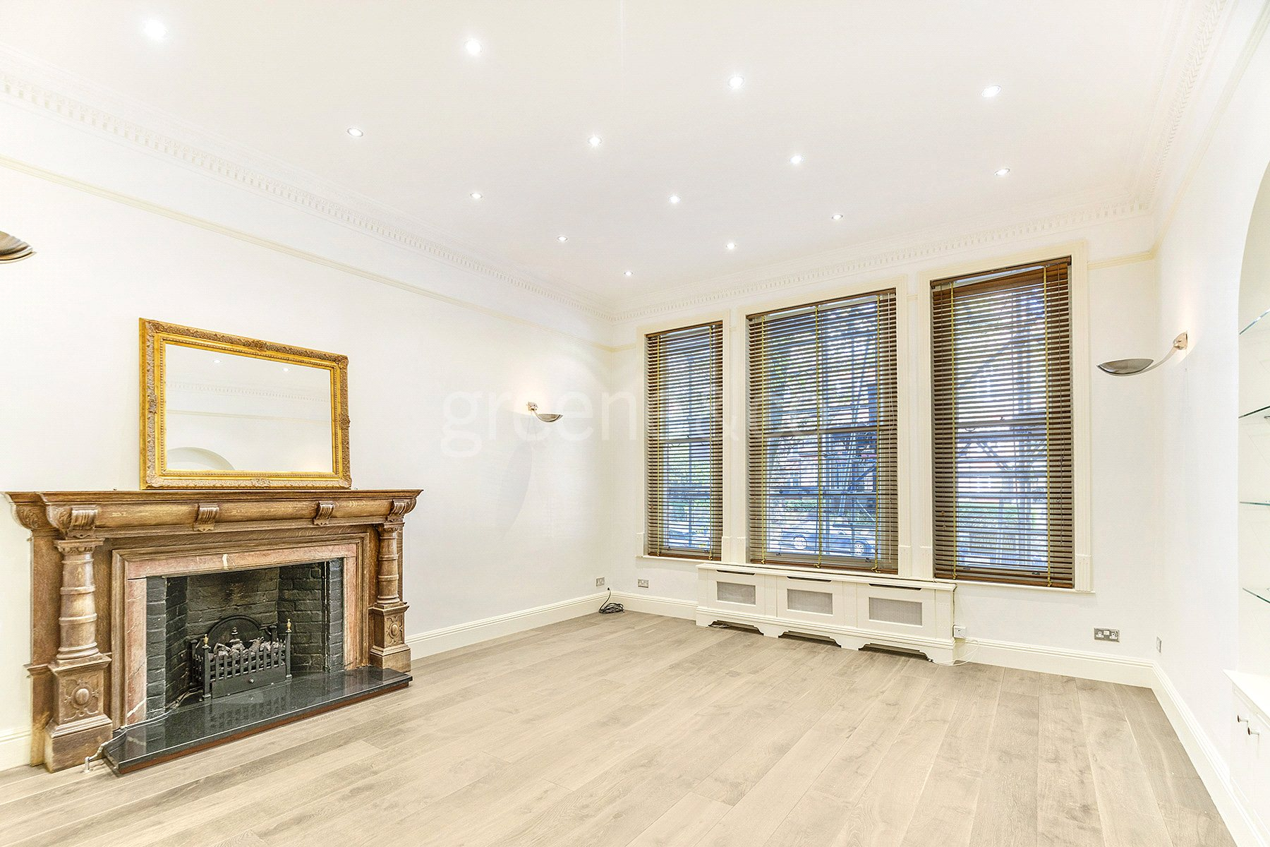 2 Bedrooms Flat for sale in Fitzjohns Avenue, Hampstead, London, NW3