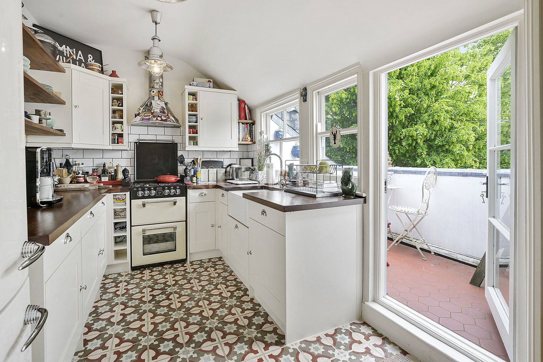 3 Bedrooms Flat for sale in Haverstock Hill, Belsize Park, London, NW3