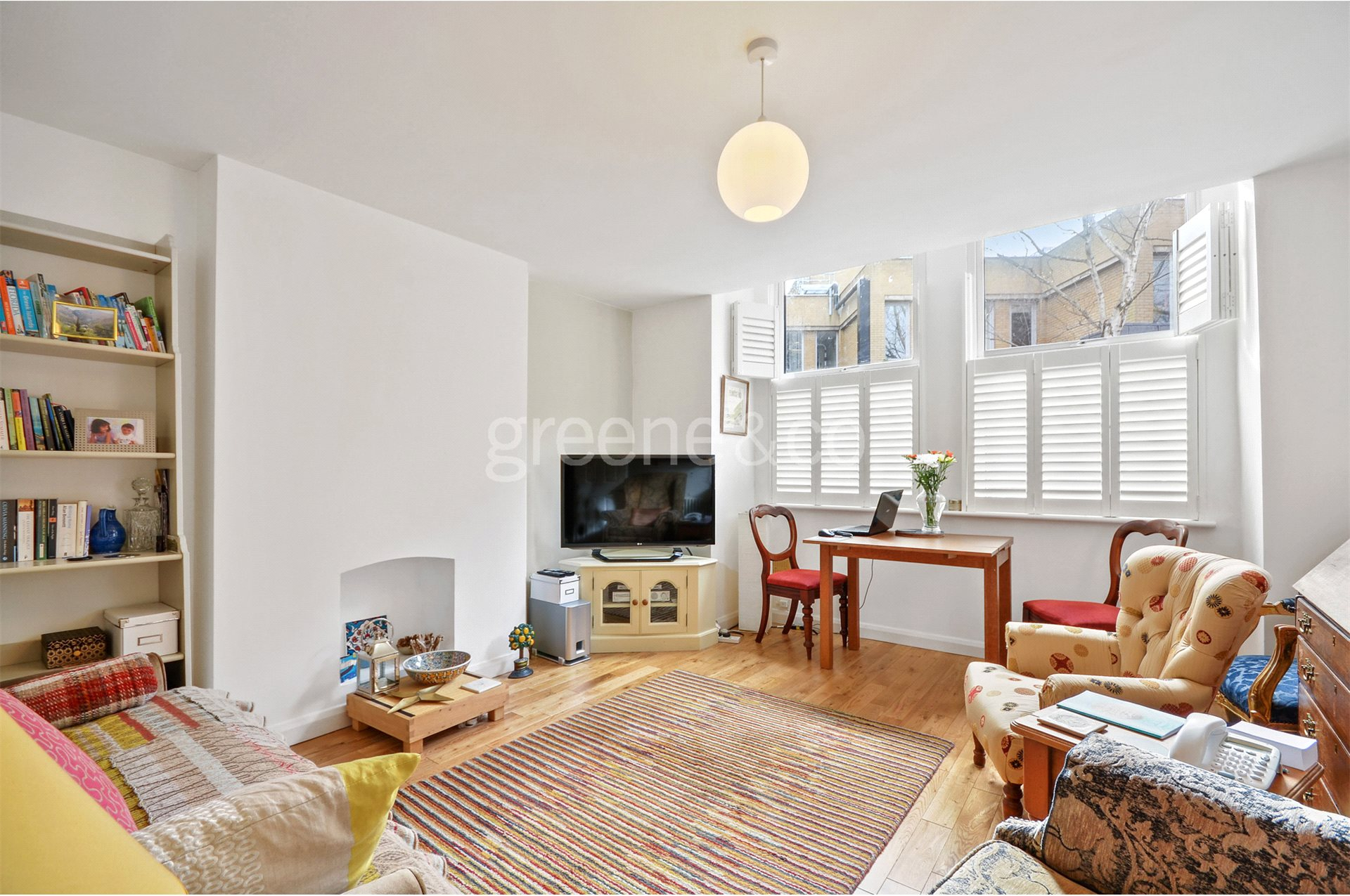 2 Bedrooms Flat for sale in Fleet Road, South End Green, London, NW3