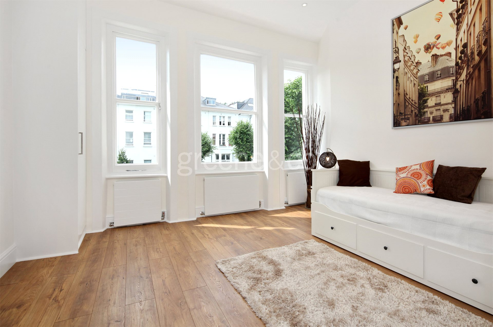 Flat for sale in Belsize Grove, Belsize Park, London, NW3