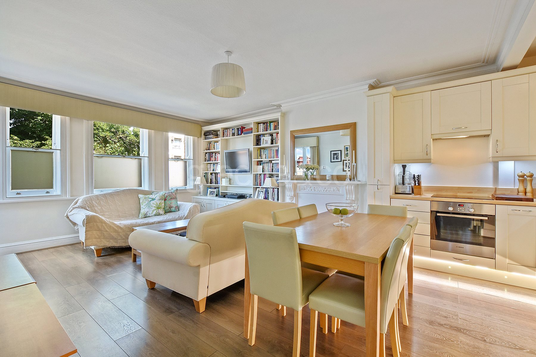 2 Bedrooms Flat for sale in Frognal, Hampstead, London, NW3