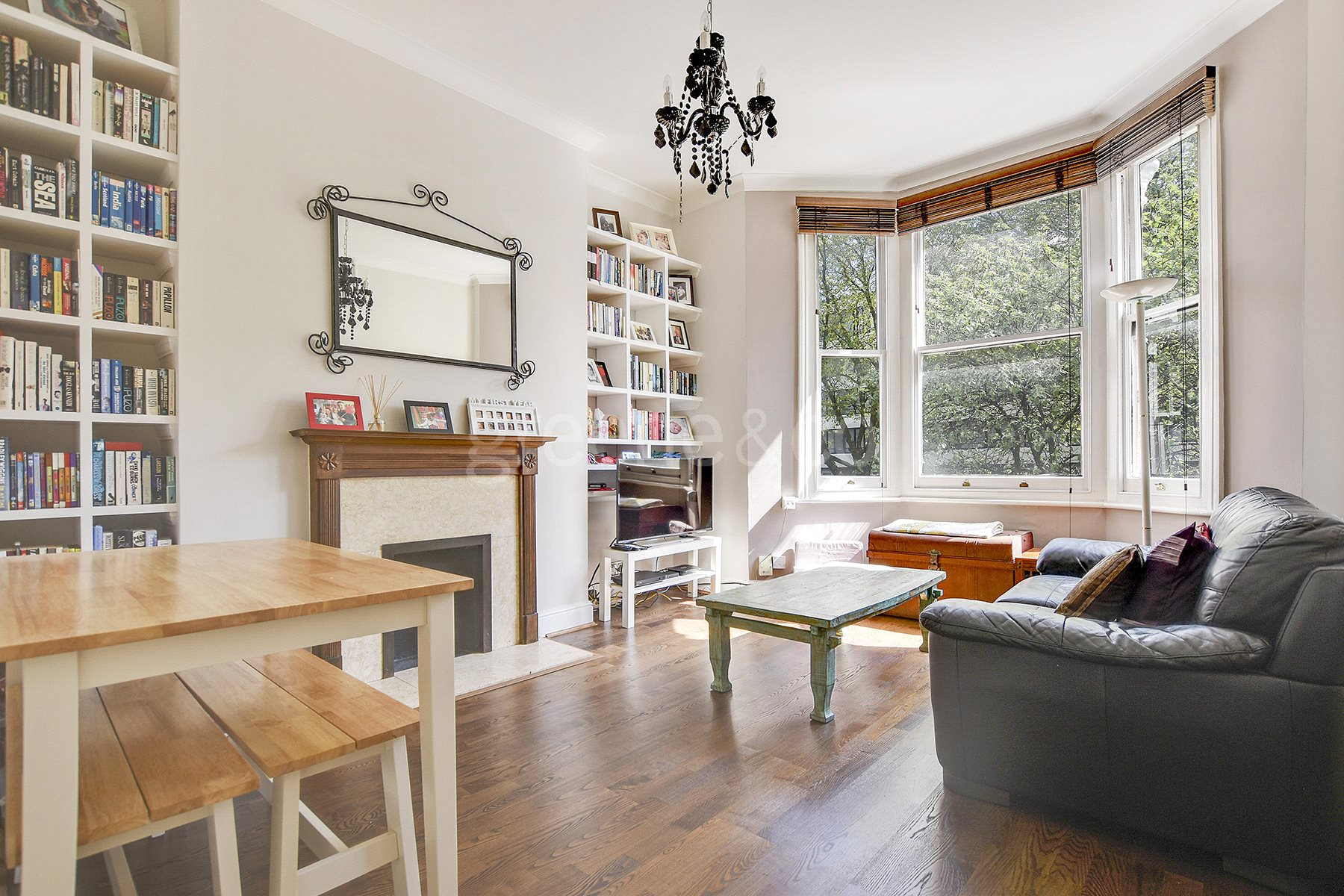 2 Bedrooms Flat for sale in Mansfield Road, Belsize Park, London, NW3