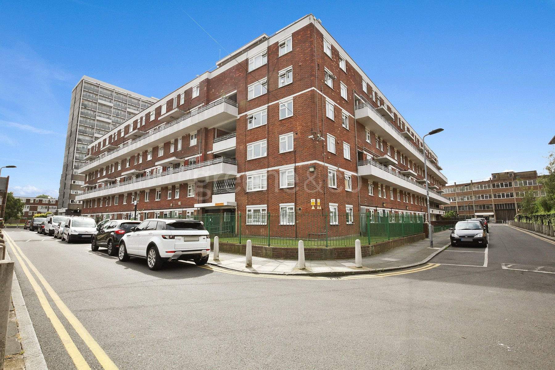 3 Bedrooms House for sale in Fellows Court, Weymouth Terrace, London, E2