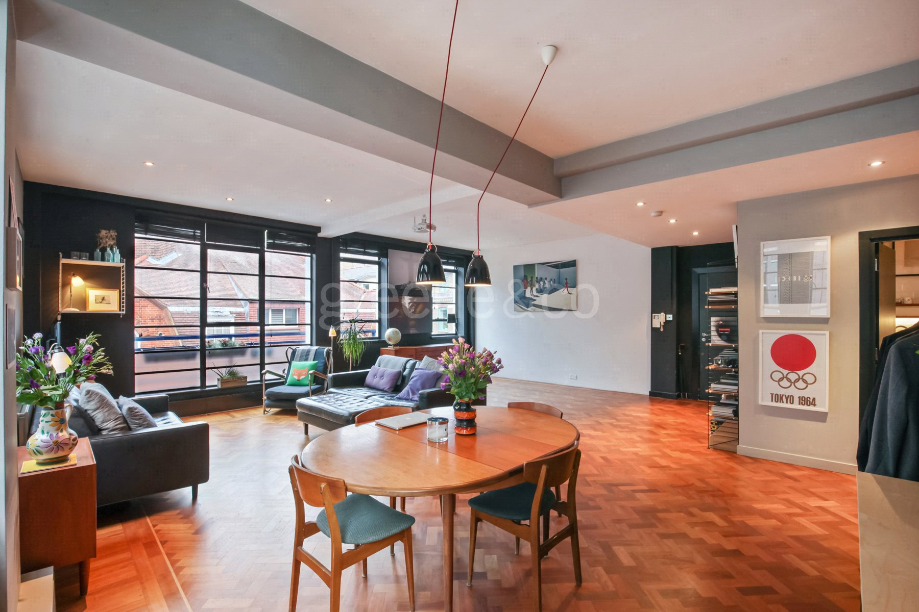 2 Bedrooms Flat for sale in The Beauchamp Building, Brooke's Market, London, EC1N