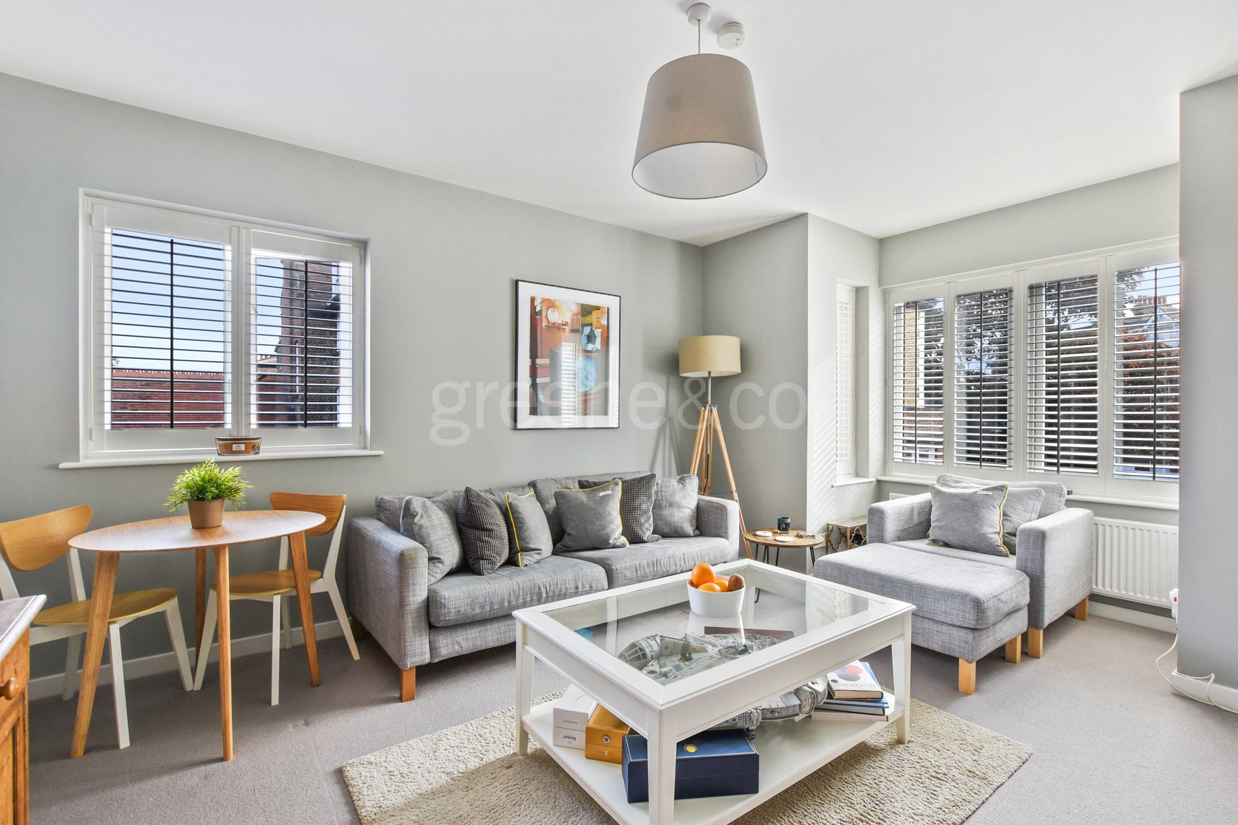 2 Bedrooms Flat for sale in Carleton House, 122A Hillfield Avenue, Crouch End, London, N8