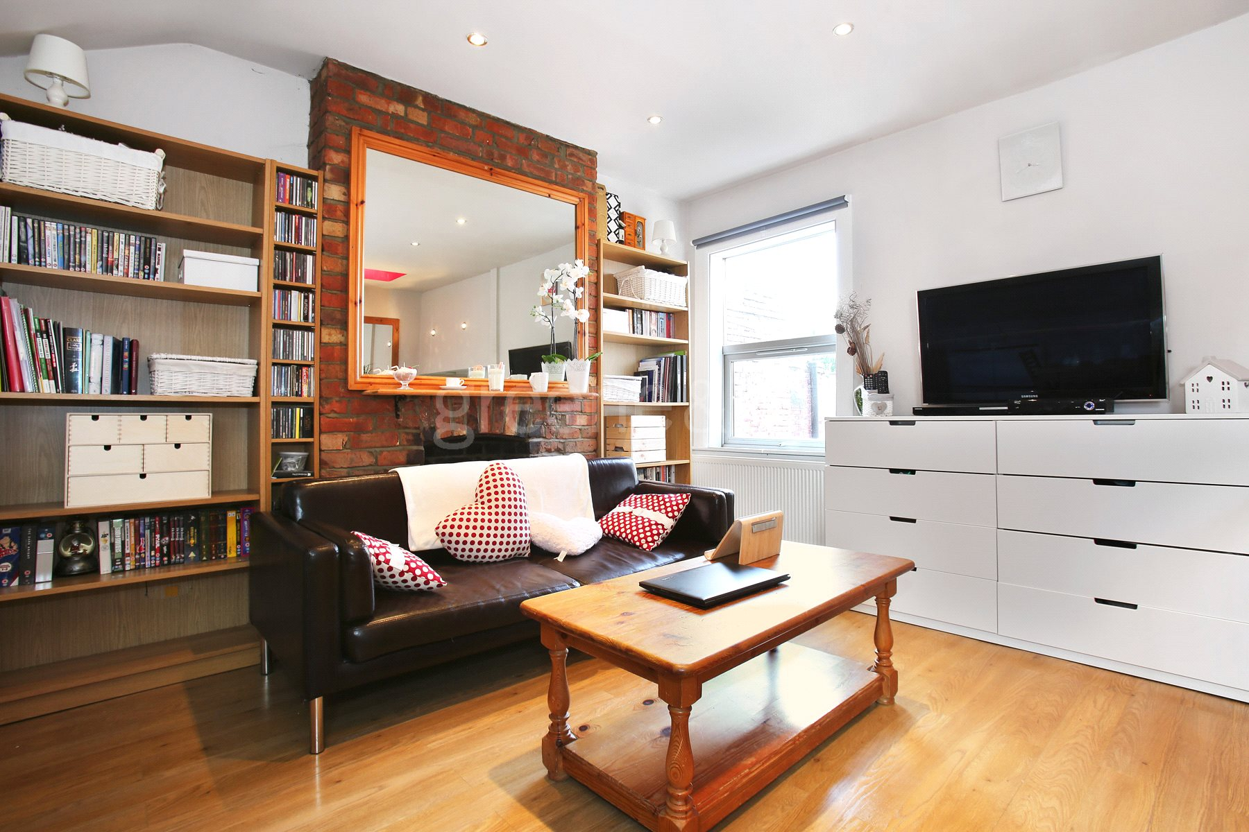 1 Bedroom House for sale in Rathcoole Gardens, Crouch End, London, N8
