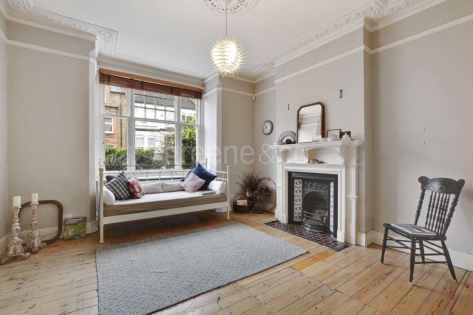 2 Bedrooms Flat for sale in Nelson Road, Crouch End, London, N8