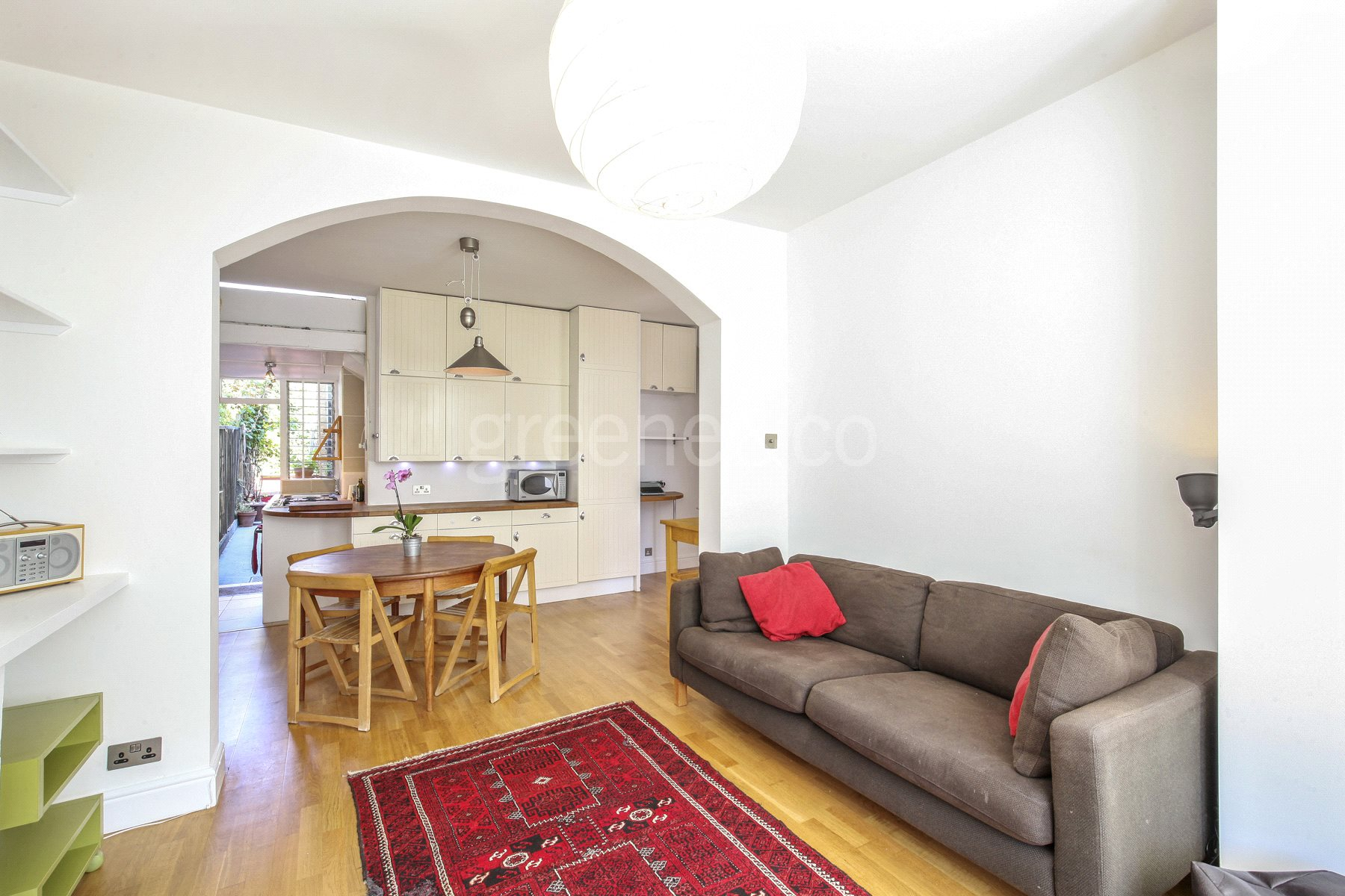 2 Bedrooms Flat for sale in Hawthorn Road, Crouch End, London, N8