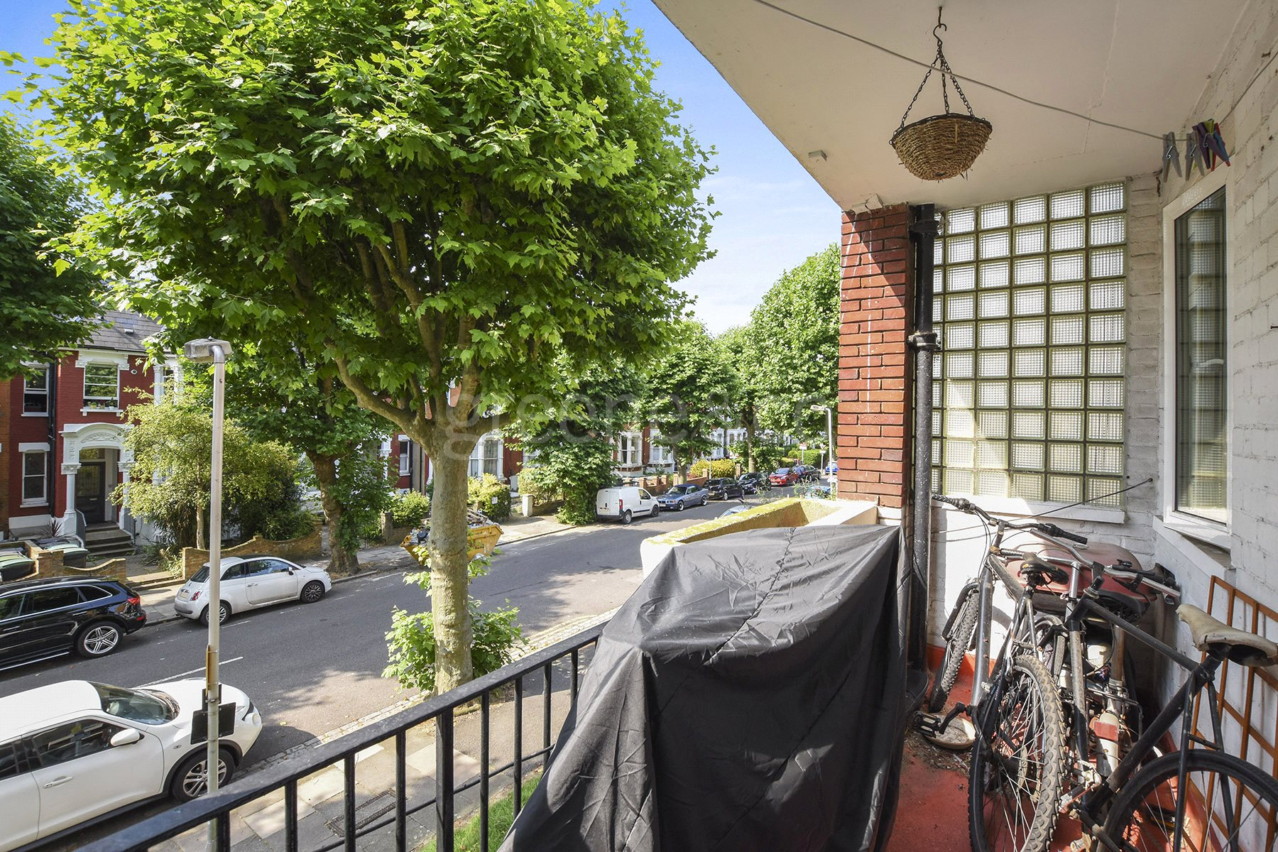 3 Bedrooms Flat for sale in Otway Court, Granville Road, London, N4