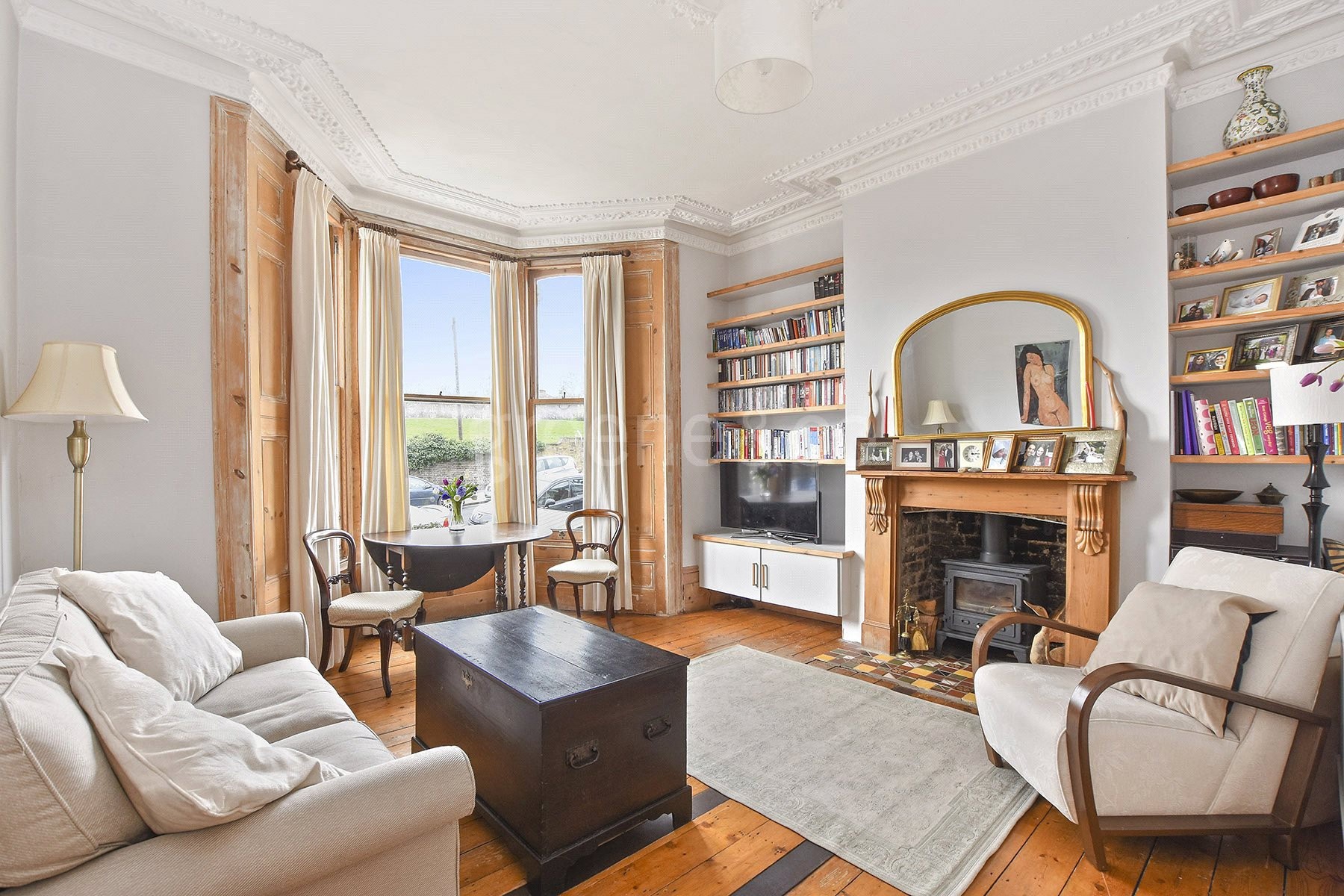 2 Bedrooms Flat for sale in Ferme Park Road, Crouch End Borders, London, N4
