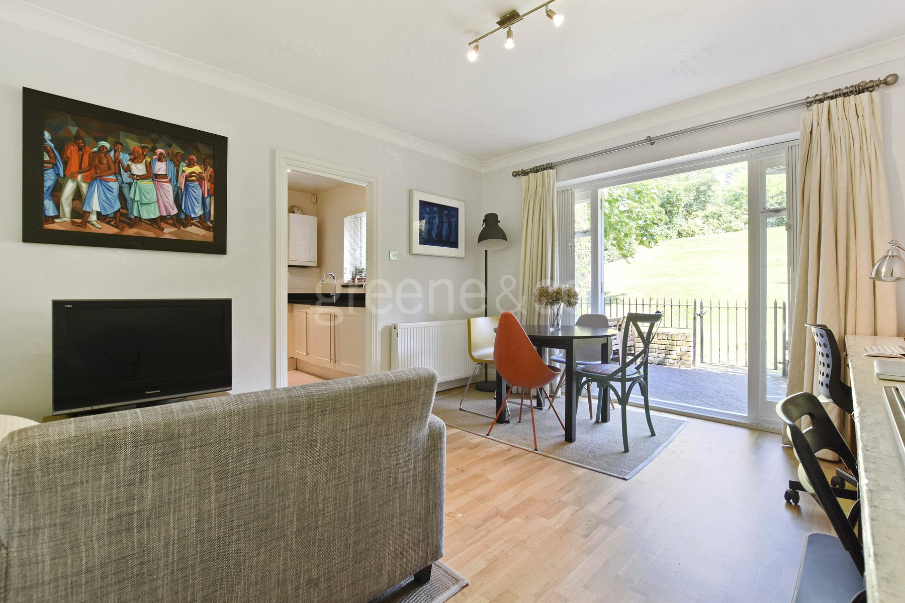 2 Bedrooms Flat for sale in Standard Apartments, Crescent Road, Crouch End, N8