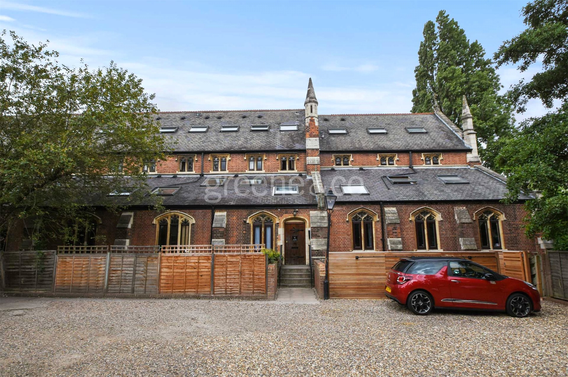 3 Bedrooms Flat for sale in Mayfield Road, Crouch End, London, N8