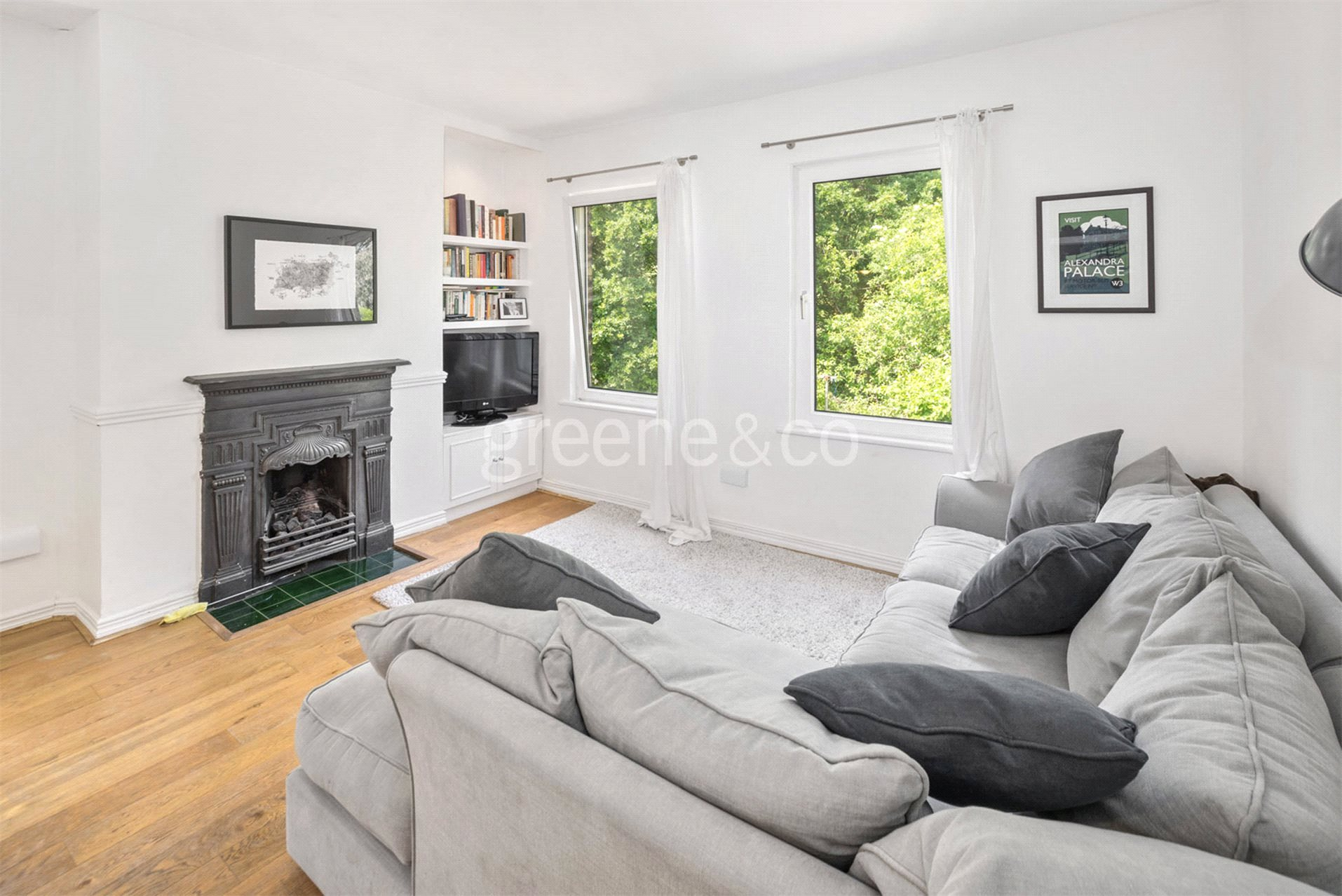 3 Bedrooms Flat for sale in North View Road, Crouch End, London, N8
