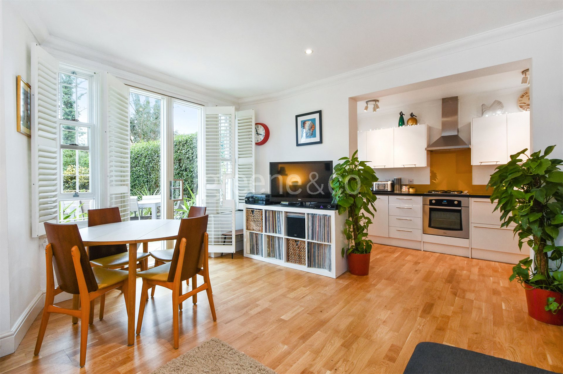 2 Bedrooms Flat for sale in Christchurch Avenue, Mapesbury Conservation, London, NW6