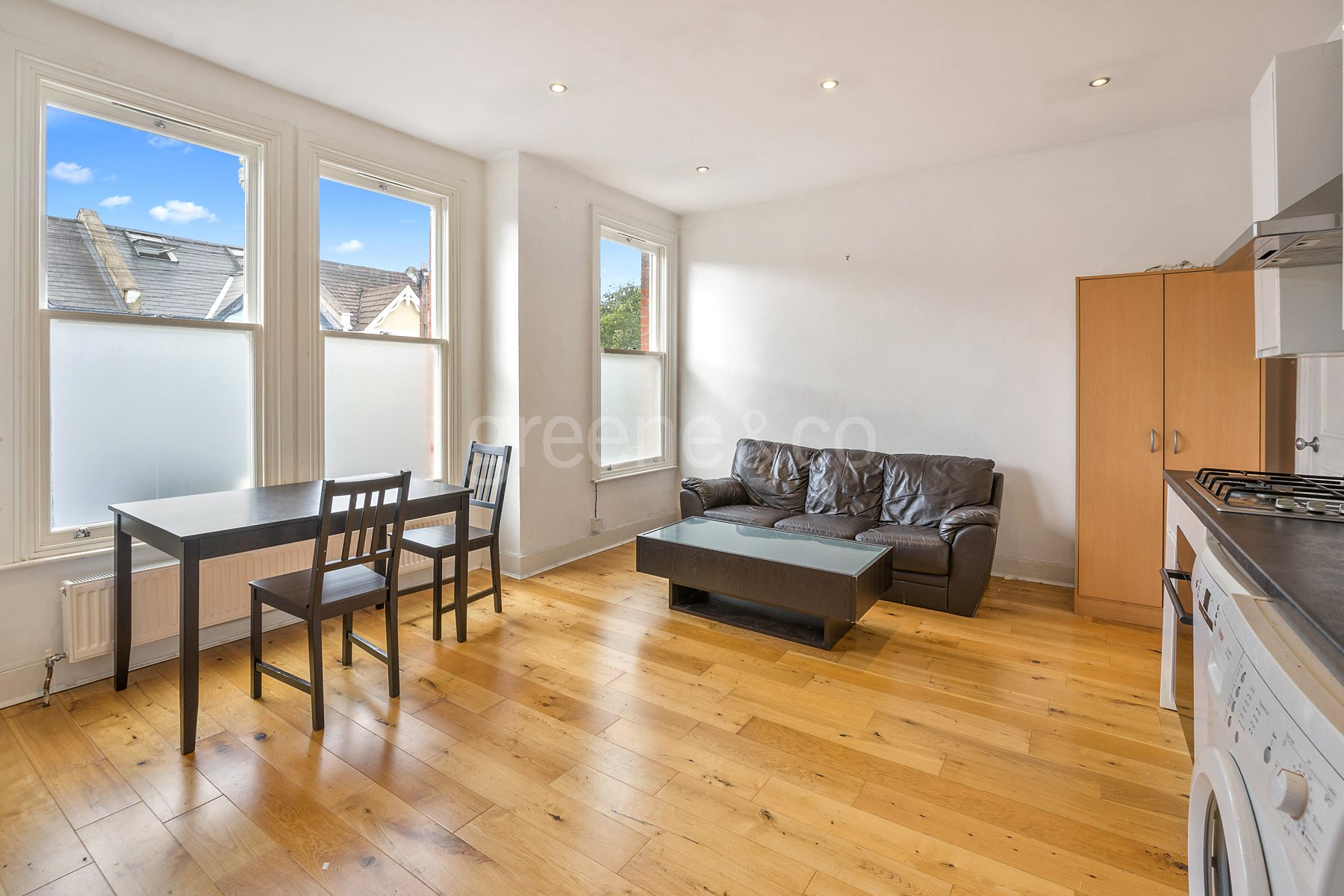 2 Bedrooms Flat for sale in Glengall Road, Queens Park, London, NW6