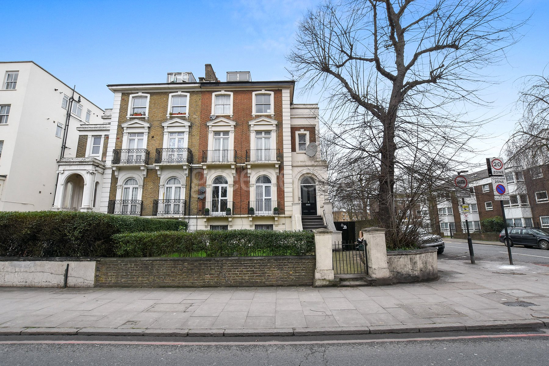 2 Bedrooms Flat for sale in Camden Road, Holloway, London, N7