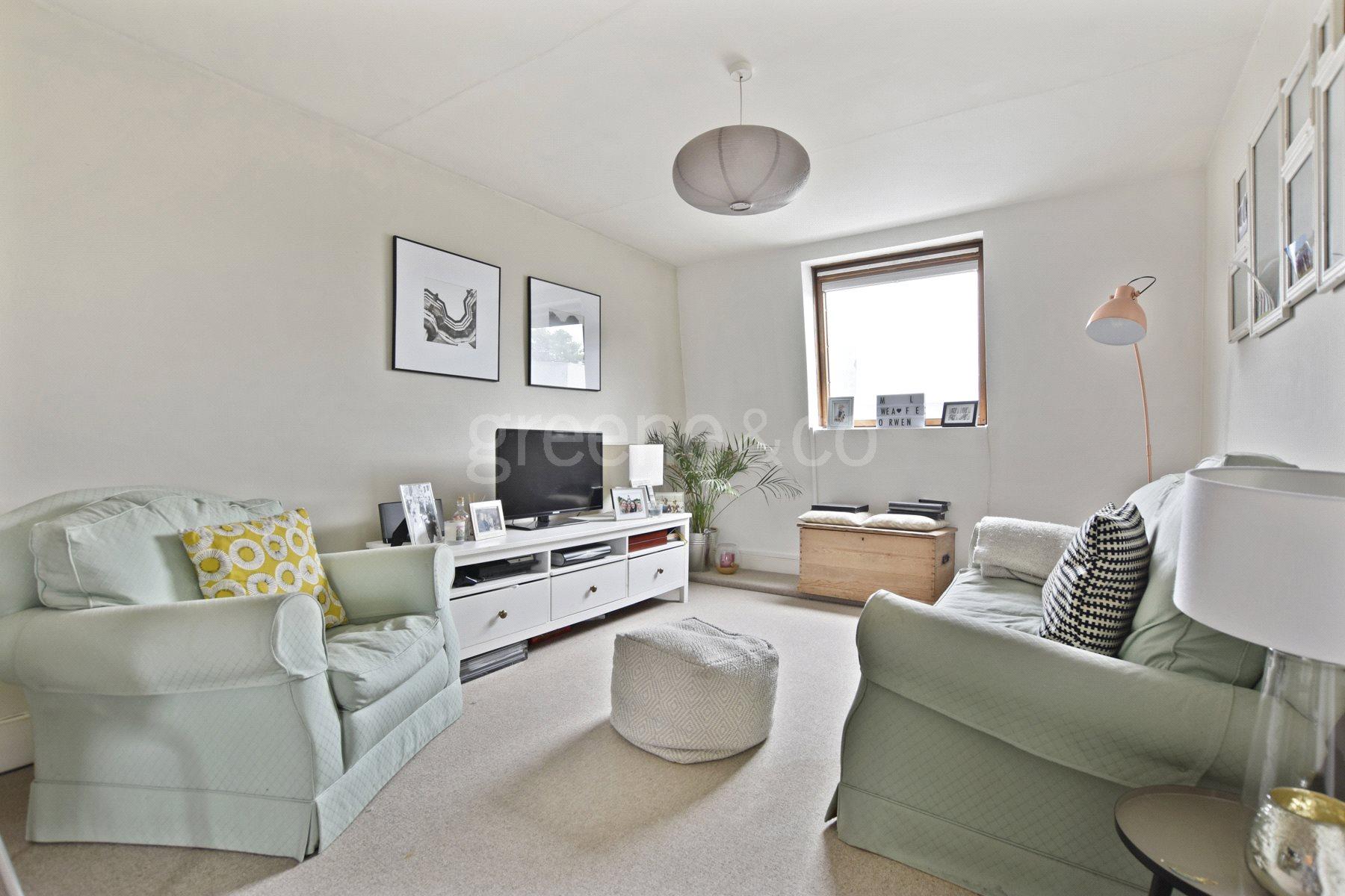 2 Bedrooms Flat for sale in Malvern Road, Kilburn Park, London, NW6