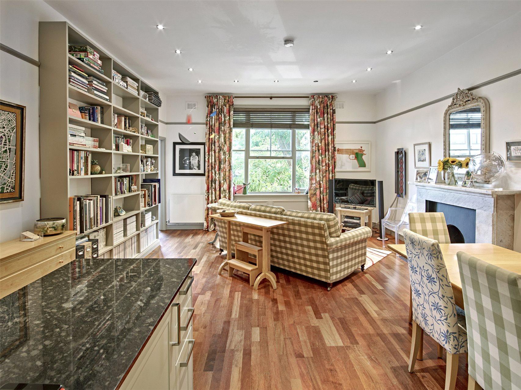 2 Bedrooms Flat for sale in Randolph Gardens, Kilburn Park, London, NW6