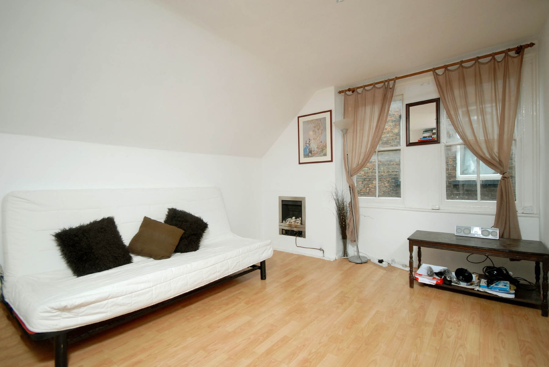 Flat for sale in Cricklewood Lane, Cricklewood, London, NW2