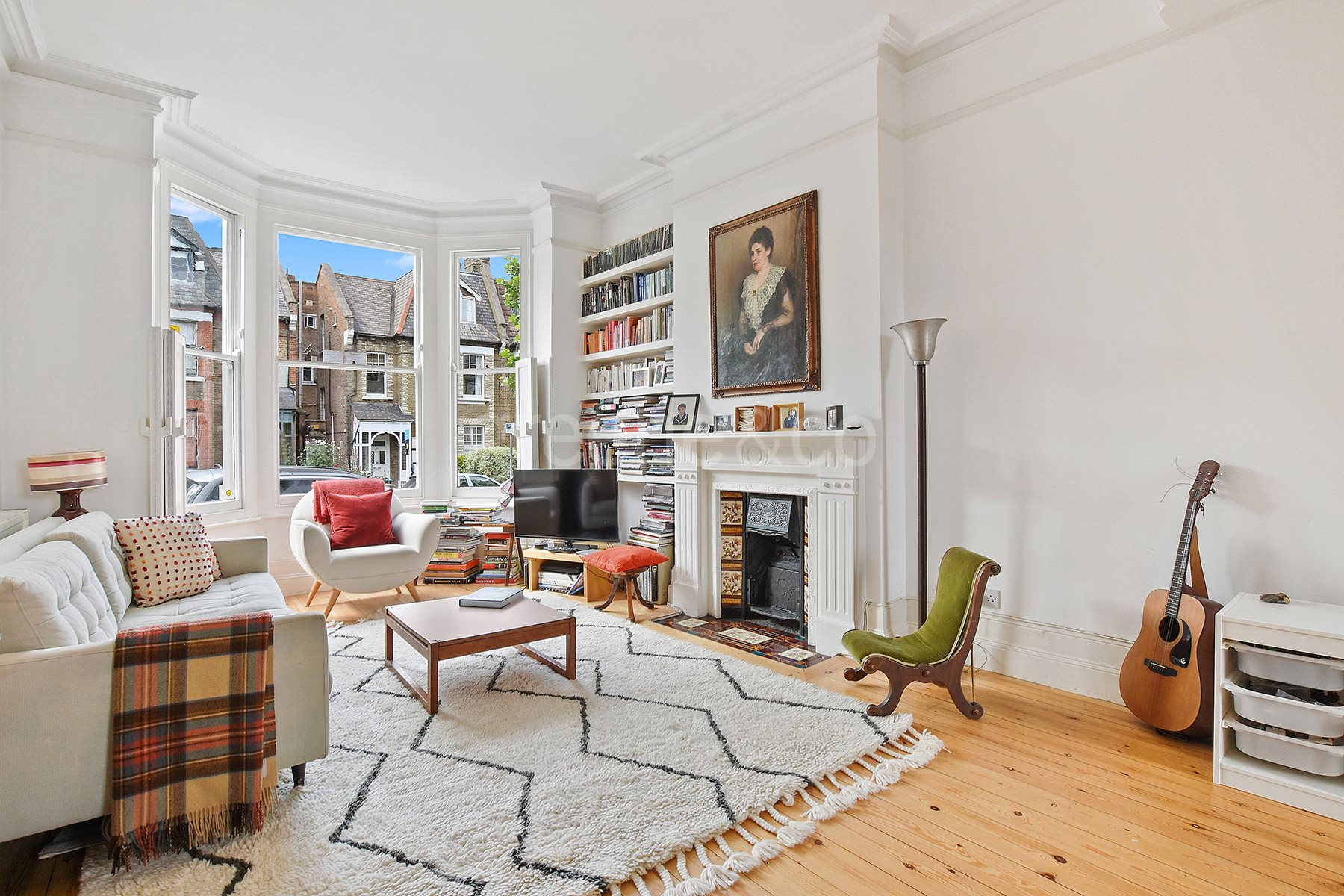 3 Bedrooms Maisonette Flat for sale in Dyne Road, London, NW6