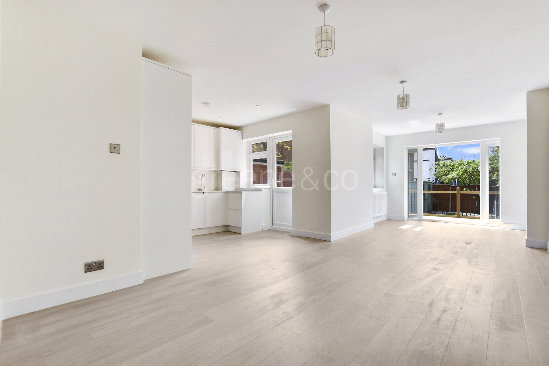 3 Bedrooms Flat for sale in Fordwych Road, Cricklewood, London, NW2