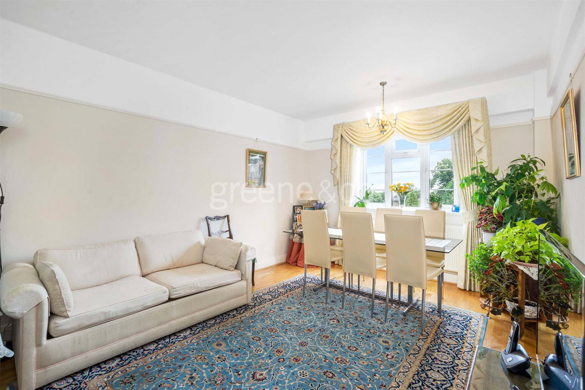 2 Bedrooms Flat for sale in Embassy House, Cleve Road, London, NW6
