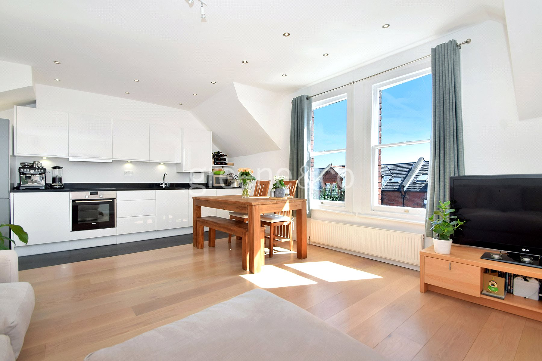2 Bedrooms Maisonette Flat for sale in Plympton Road, Brondesbury, London, NW6