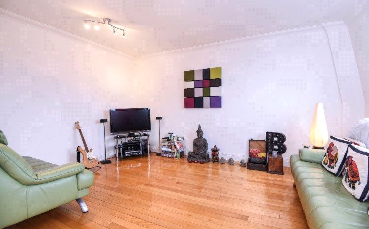 1 Bedroom Flat for sale in Jubilee Heights, 1 Shoot Up Hill, Kilburn, London, NW2