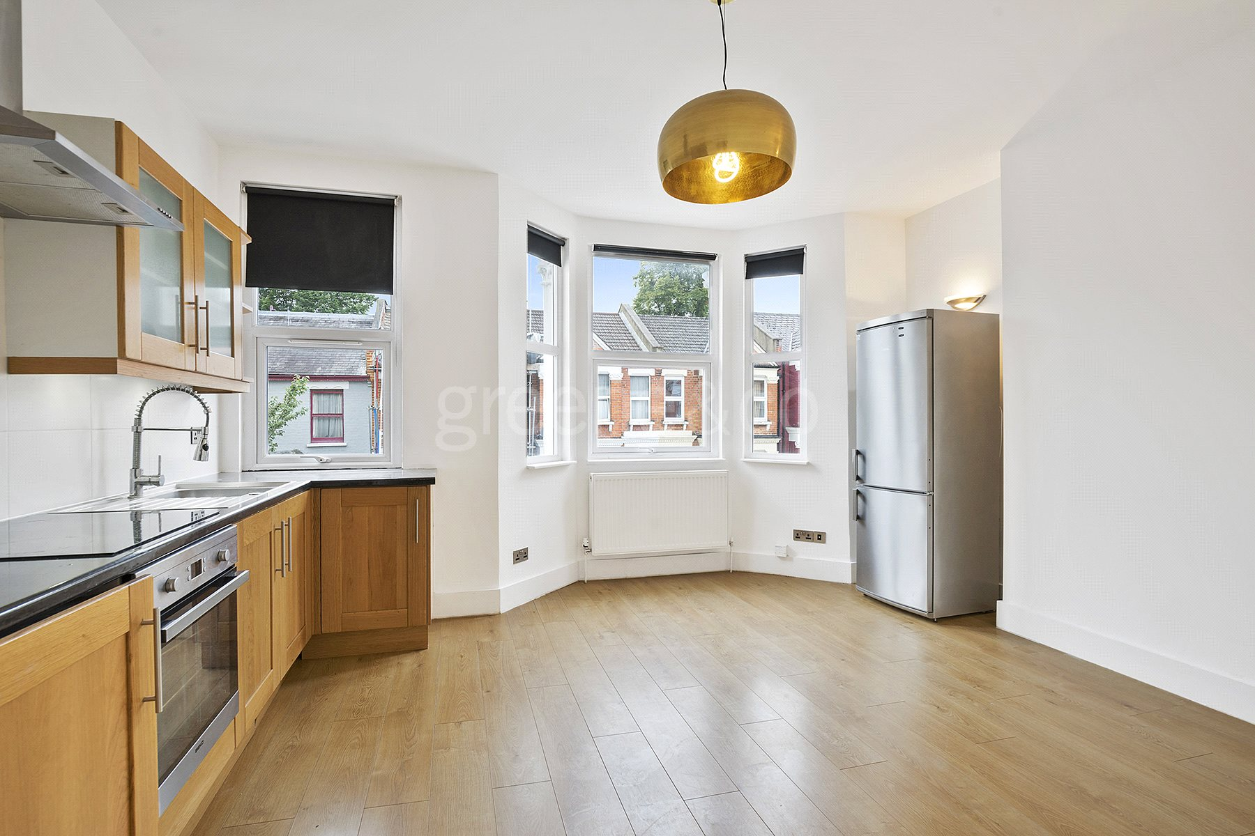3 Bedrooms Flat for sale in Tennyson Road, Queens Park, London, NW6