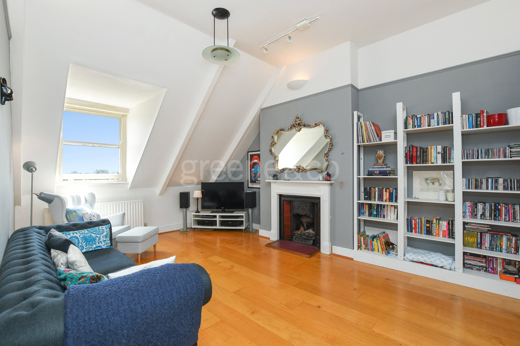 2 Bedrooms Flat for sale in Broadhurst Gardens, London, NW6