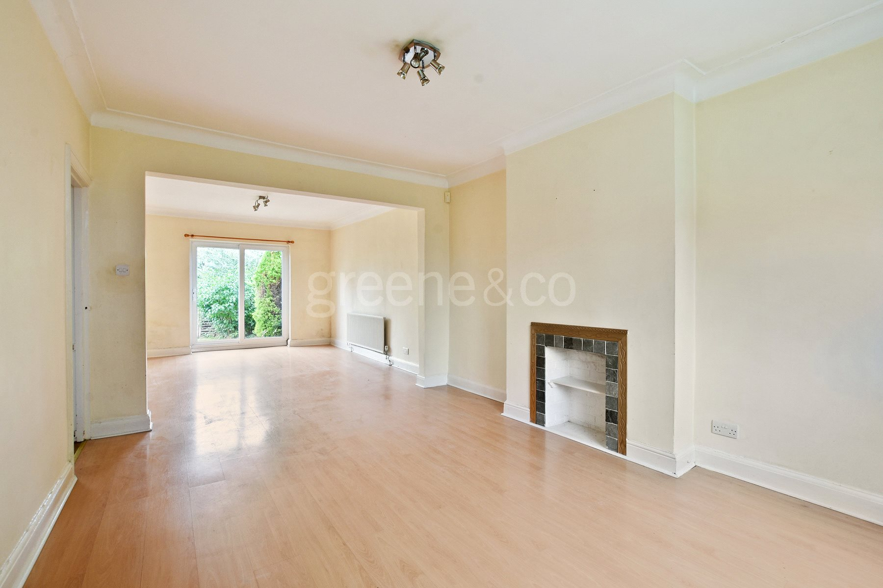3 Bedrooms Semi Detached House for sale in Sanderstead Avenue, London, NW2
