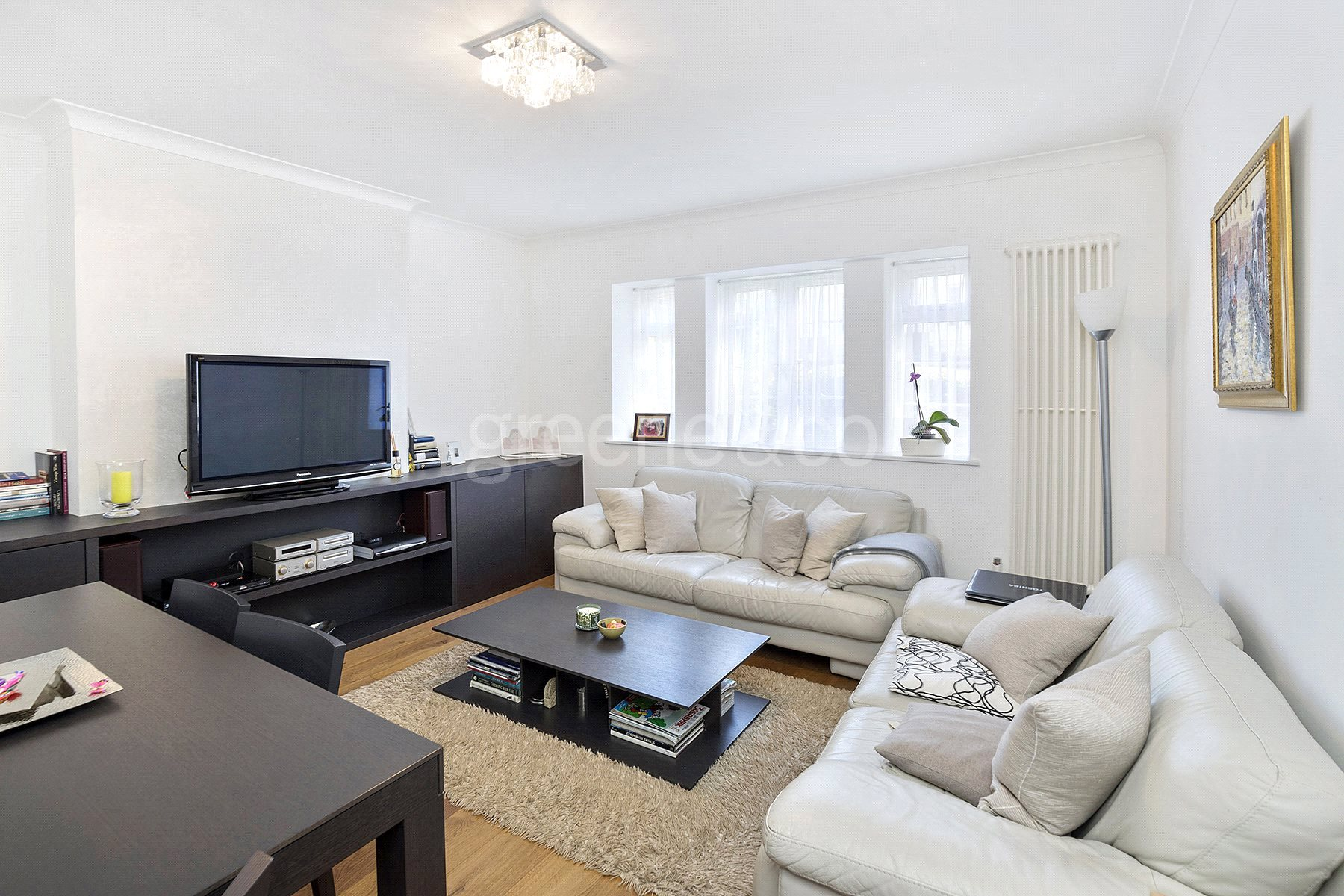 2 Bedrooms Flat for sale in Warwick Lodge, Mill Lane, London, NW2