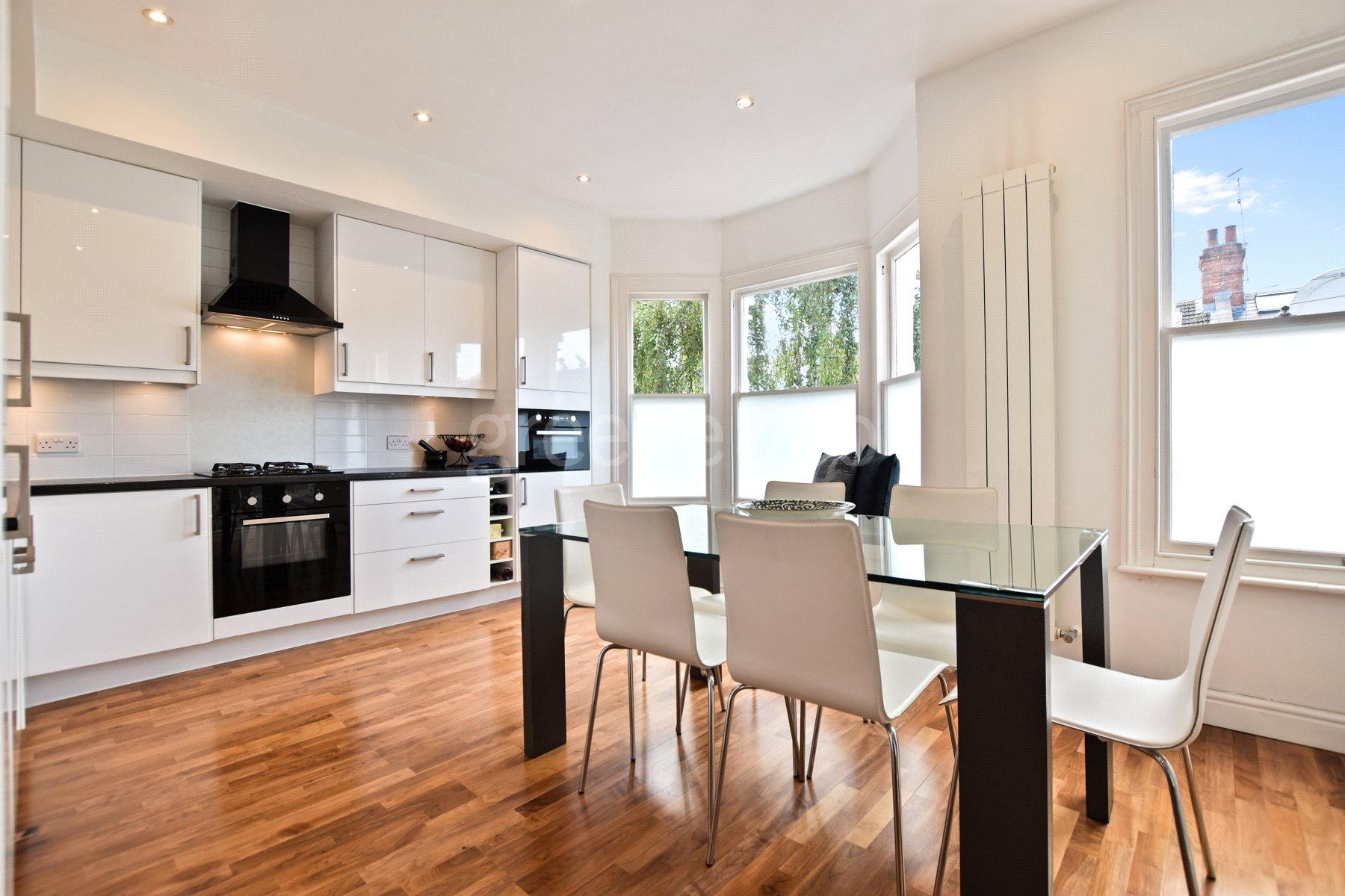 2 Bedrooms Flat for sale in Esmond Road, Queens Park, London, NW6