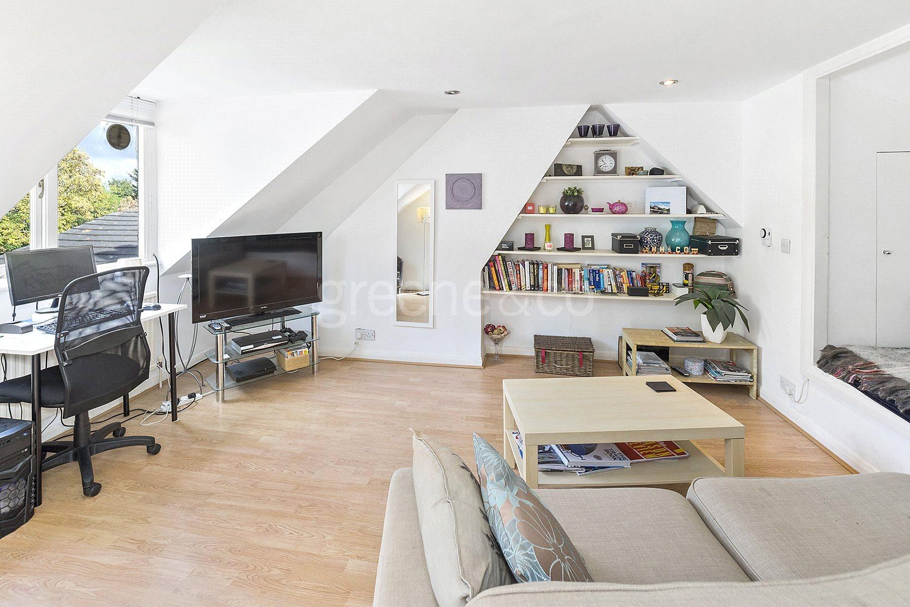 1 Bedroom Flat for sale in Hillfield Road, West Hampstead, London, NW6