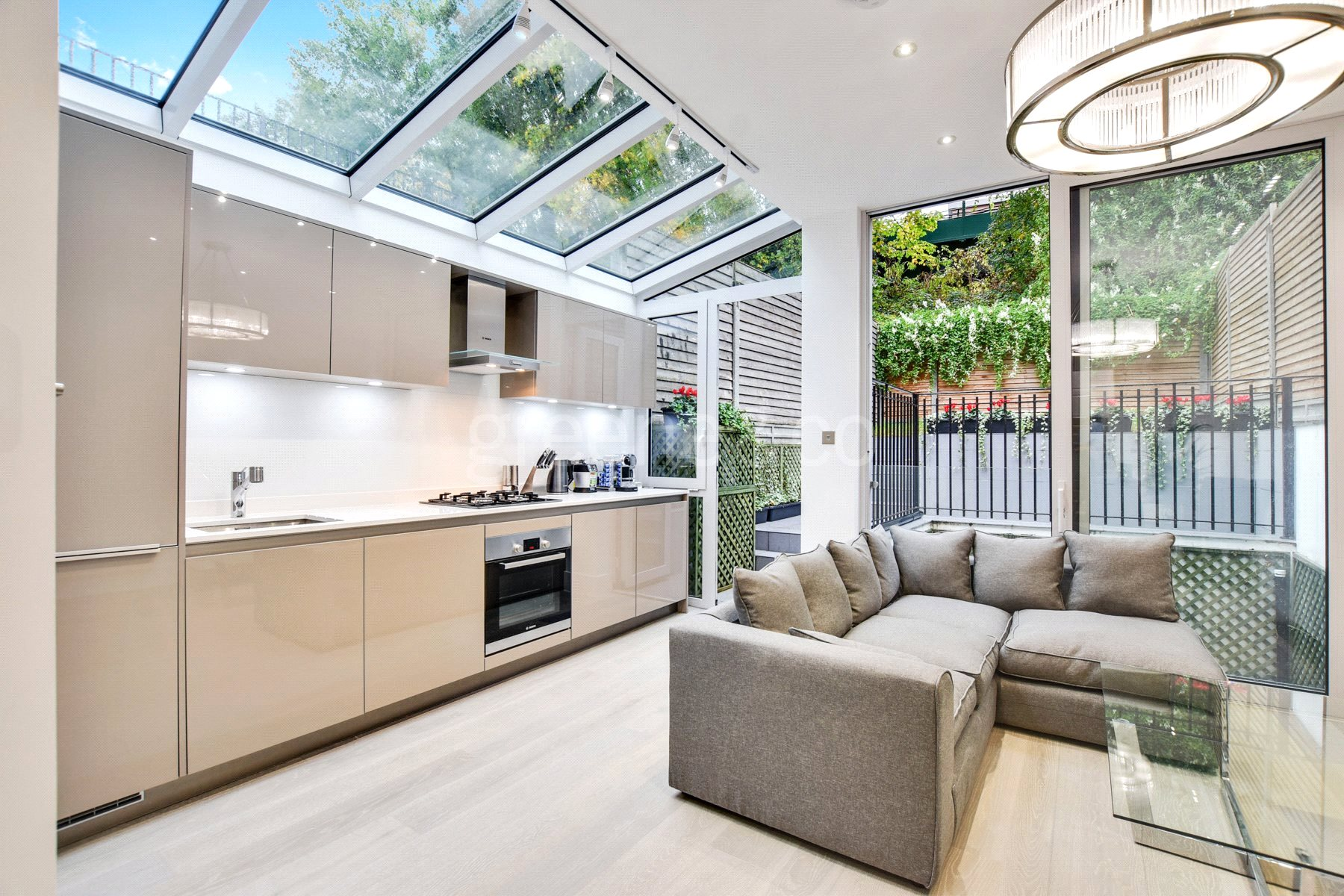 2 Bedrooms Maisonette Flat for sale in Sherriff Road, West Hampstead, London, NW6