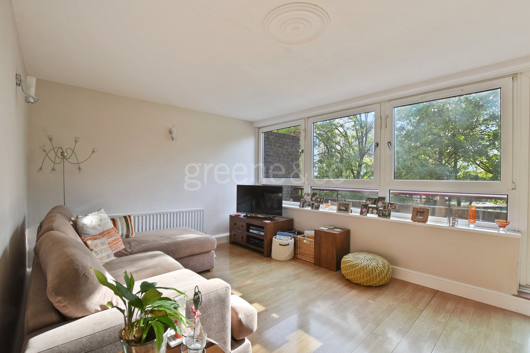 2 Bedrooms Maisonette Flat for sale in Windmill Court, 52 Mapesbury Road, London, NW2