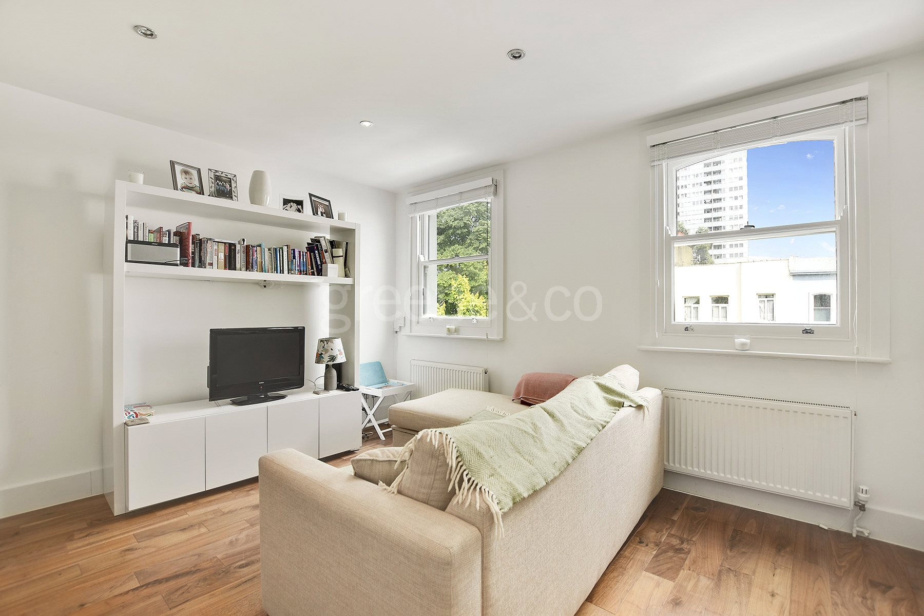 2 Bedrooms Flat for sale in Priory Terrace, South Hampstead, London, NW6