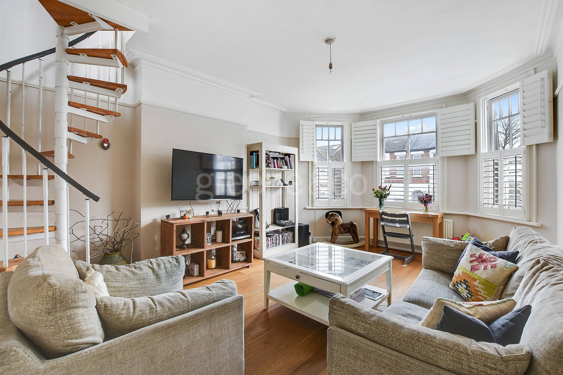 2 Bedrooms Flat for sale in Sarre Road, West Hampstead, London, NW2